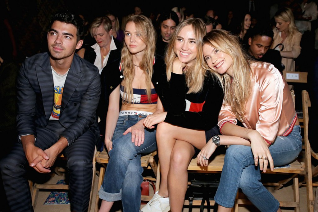 Tommy-Hilfiger-Front-Row-Vogue-15Sept15-Getty_b_1080x720
