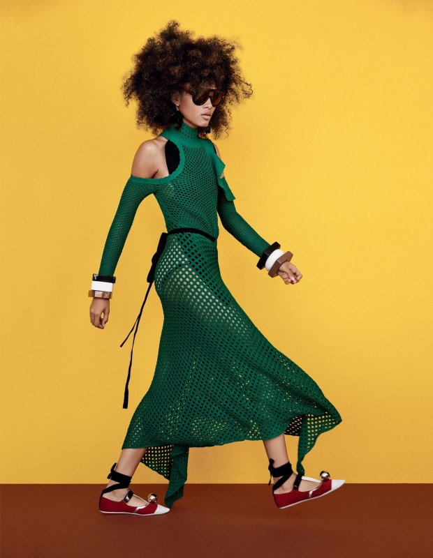 Vogue-UK-February-2016-Lineisy-Montero-by-Patrick-Demarchelier-02up-620x800