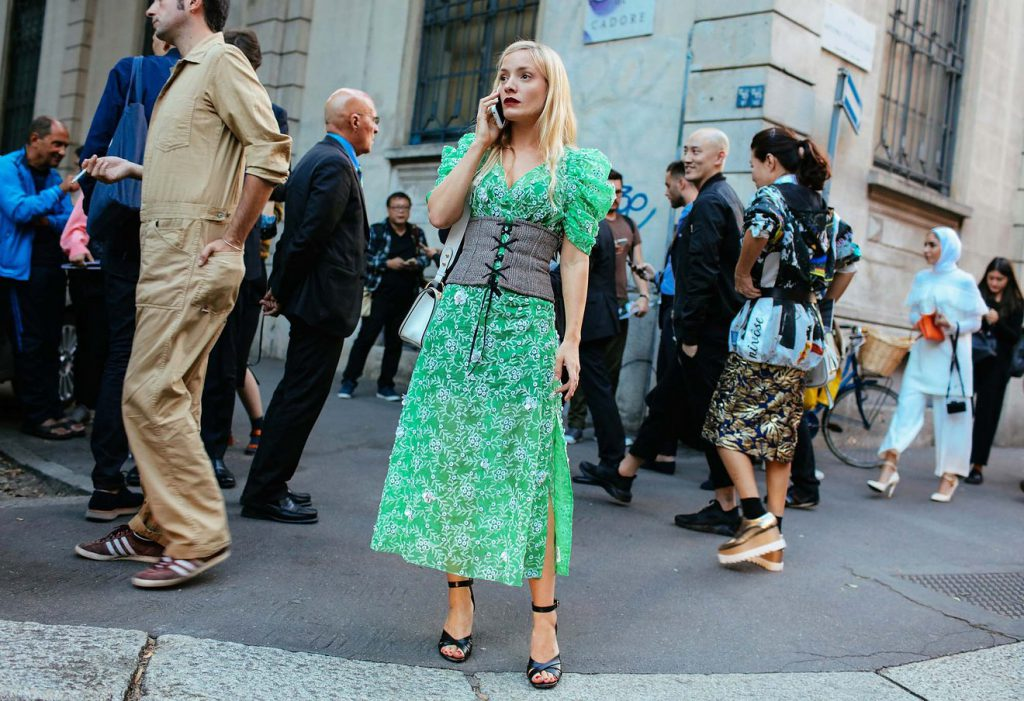 1-corsets-street-style-ss17