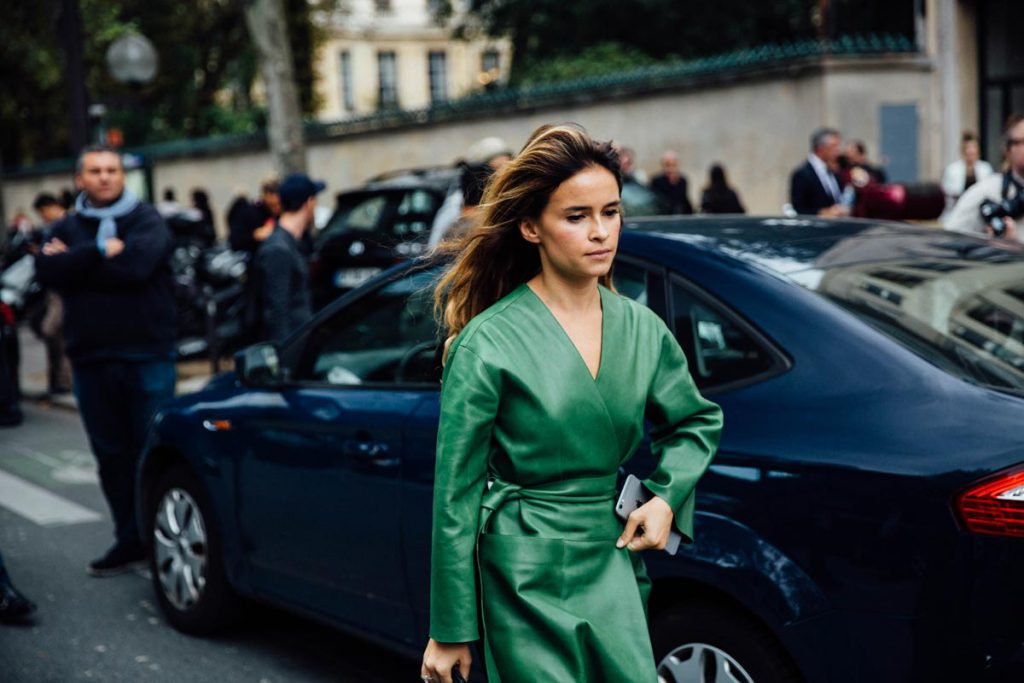 street_style_paris_fashion_week_loewe_christian_dior_700100388_1200x