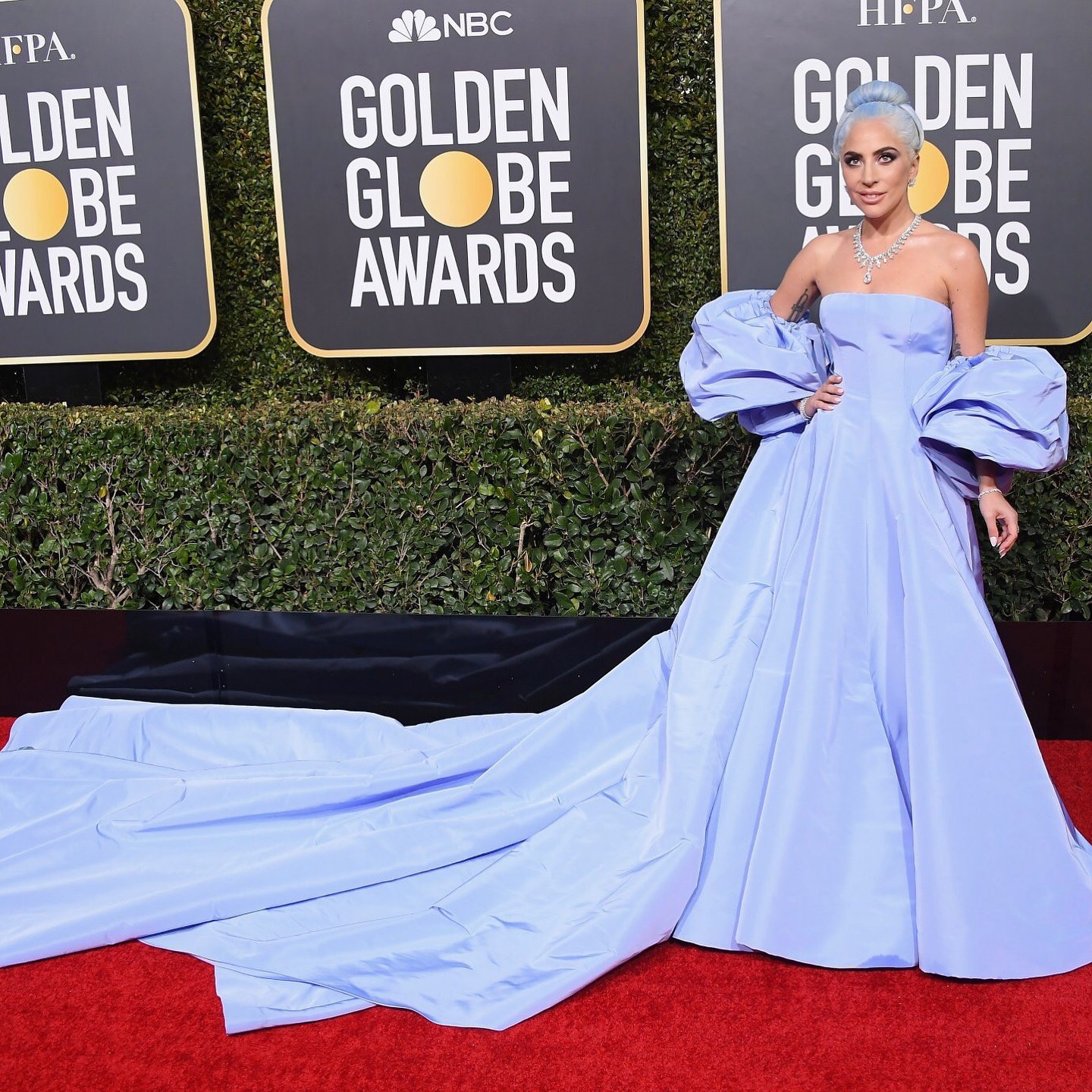 ALL THE BEST LOOKS FROM THE 2019 GOLDEN GLOBES